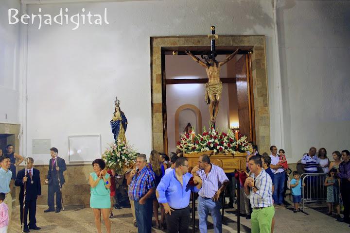 beneji procesion entrada
