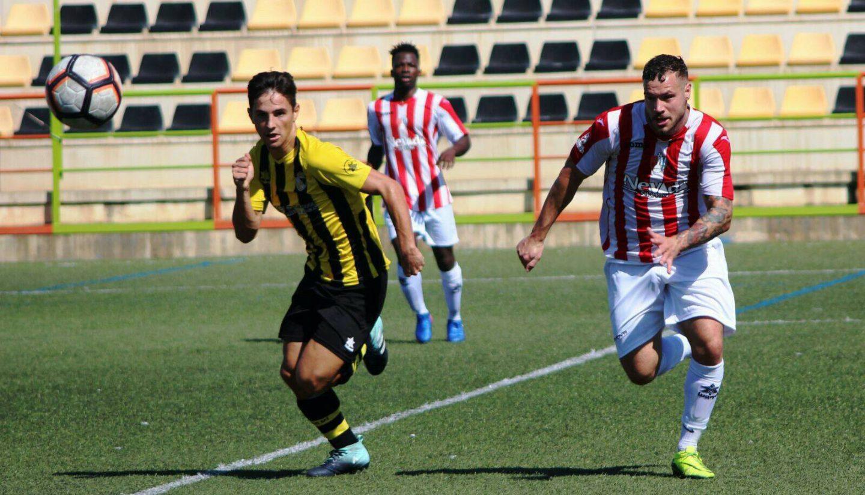 El Berja CF vence al Arenas de Armilla (2-1) tras un gol en el minuto 95