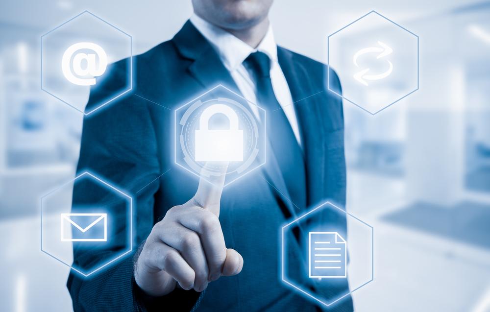 El CADE de Berja acerca a los empresarios la Ley de Protección de Datos y la prevención de riesgos laborales