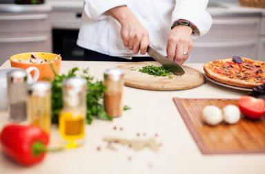 Se busca cocinero en Berja