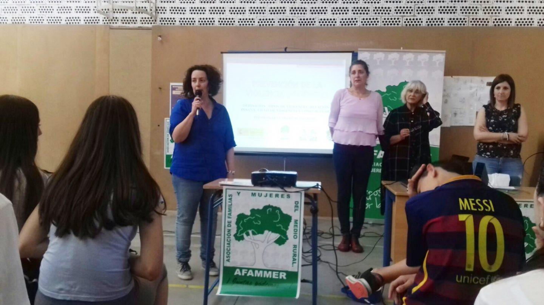 AFAMMER previene contra la violencia de género a los alumnos del IES Villavieja de Berja
